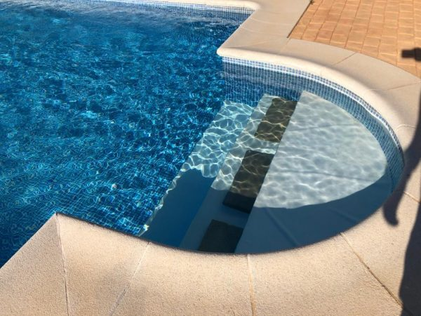 Corona piscina_Construcciones y Reformas Sola