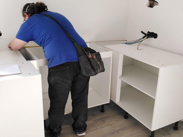 Montaje de muebles de cocina_Construcciones y Reformas Sola